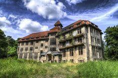 mansion by nolte_, via Flickr Taken in: Germany / Mecklenburg-Vorpommern / Neu Zippendorf