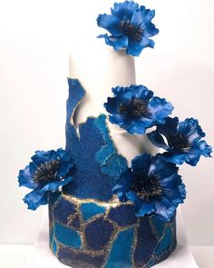 Cake Decorating Techniques, Cake Decorating Tutorials, Buttercream Cake, Fondant Cakes, Gorgeous Cakes, Amazing Cakes, Buttercream Techniques, Watercolor Wedding Cake, Unusual Wedding Cakes