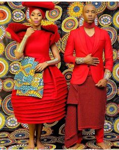 Chiluz African Fashion and Things. African Inspired Fashion, African Fashion, Afrocentric Clothing, African Traditions, Afro Punk, African Wear, Shopper, African Beauty, Beautiful Gowns