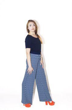 #DIESSE #SpringSummer2016 #Printed Palazzo trousers, contrasting elastic waist #model #ConcitaCometa #photographer #MariannaDepasquale #designer #DiegoSalerno  http://www.diessefashion.it/