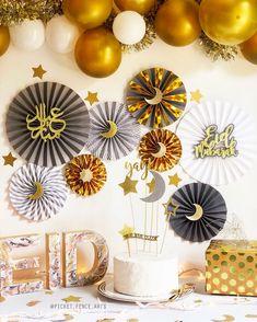 Gold and Gray Eid Decor Eid Decorations Eid Paper Fans Ramadan Happy Eid Eid Celebration Eid M Eid Crafts, Ramadan Crafts, Eid Mubarak In English, Diy Eid Decorations, Cupcake Decoration, Fest Des Fastenbrechens, Decoraciones Ramadan, Eid Eid, Eid Ramadan
