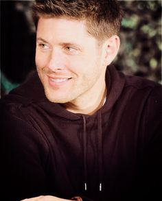 Burcon, March 2012. Beautiful. <--- really? he wore a hoodie to a con? i guess i haven't seen pics from this con yet