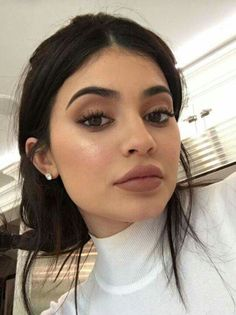 Kylie Jenner … - makeup - Make-up Photoshoot Kylie Jenner, Look Kylie Jenner, Estilo Kylie Jenner, Kylie Jenner Instagram, Kylie Jenner Outfits, Kendall Jenner, Kylie Jenner Blue Eyes, Kyle Jenner, Kylie Makeup