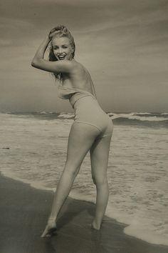 Andre de Dienes photographs Marilyn Monroe c.1950