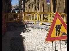 Caltaqua, interventi in via Re D'Italia sulla profonda buca che si è aperta ieri<span class='video_title_tag'> -Video</span>