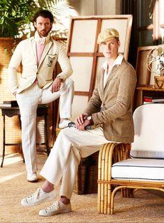 """Toujours aussi fidèle à son image de marque que l'on remarque, Ralph Lauren nous convie une fois de plus dans ses somptueuses demeures pour découvrir entre deux parties de polo bien sûr sa collection détente de prêt-à-porter pour le printemps été 2013.Bienvenue au palais Une """"garden party"""" lu"""