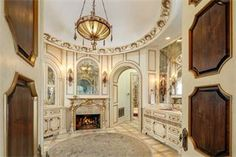 View this luxury home located at 10711 Strait Lane Dallas, Texas, United States. Sotheby's International Realty gives you detailed information on real estate listings in Dallas, Texas, United States.