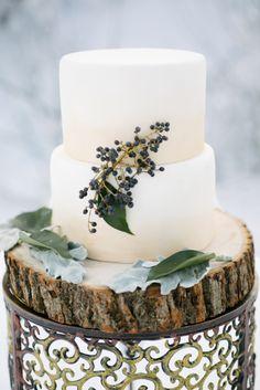 Winter wedding cake: http://www.stylemepretty.com/washington-weddings/2015/01/27/romantic-winter-wedding-inspiration/   Photography: Nikki Closser - http://www.nikkiclosser.com/