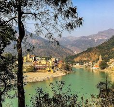 Seeking enlightenment in India's yoga capital, Rishikesh? Finding an ashram in Rishikesh takes a little work, but with these handy tips for Rishikesh travel Rishikesh India, Mussoorie, Haridwar, Responsible Travel, India Travel, Incredible India, Travel Inspiration, Places To Go, Viajes