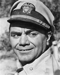 Ernest Borgnine - Grew up watching him, Rest in Peace Hollywood Men, Classic Hollywood, Mchale's Navy, Ernest Borgnine, Vintage Television, Hard Men, Old Tv Shows, Famous Faces, Comedians