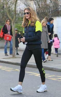 Celebrities working out in pictures - Elle Macpherson