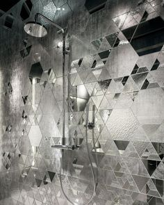 A glamorous #TileTuesday with Fragments #mirrored #mosaic #tiles by @sicis_official! // #archilovers #architettura #designhounds #designinterior #designinspiration #designdeinteriores #bathroomdesign #homeinterior #homedesign #instadecor #interiordesign #interiors #interiorinspo #idcdesigners #pattern #tileometry #tiles #tiled #tiledesign #tilelove #tilestyle #tileaddiction #ihavethisthingwithtiles