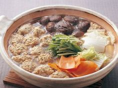 Rich Dashi Nabe with Chicken Meatballs Chicken Meatball Soup, Chicken Meatballs, Japanese Chicken, Japanese Food, Nabe Recipe, Asian Recipes, Ethnic Recipes, Foods To Eat, Other Recipes