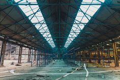Ruston's is a massive abandoned factory in the heart of Lincoln. Ruston & Hornsby, later known as Ruston, was an industrial equipment manufacturer in Lincoln, England. Abandoned Places In The Uk, Abandoned Factory, About Uk, Lincoln, Louvre, England, Building, Travel, Viajes
