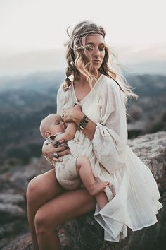 I am still on this supernatural high that four amazing women traveled to spend two nights with me as I… Nursing Photography, Mother Baby Photography, Newborn Photography, Family Photography, Pregnancy Photos, Breastfeeding Snacks, Family Portrait Poses, Family Pictures, Breastfeeding