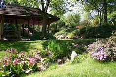 Japanese section of Prague Botanical Garden Beautiful Park, Most Beautiful Cities, Heart Of Europe, Online Travel, Romanesque, Eurotrip, Eastern Europe, Roman Empire, Outdoor Fun