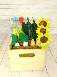 Pretend Play Wooden Box Felt Fabric Vegetable Garden Play Set  #PretendPlay Wooden Box #FeltGarden Fabric #VegetableGarden #PlaySet #ForKids #MontessoriToy #CreativePlay #Florfanka