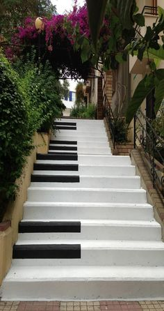 Piano Stairs in Pagrati, Athens, Greece. These would be some cool stairs in a house : ) Piano Stairs, Stairs Painted Like Piano, Home Music, Athens Greece, Mykonos Greece, Crete Greece, Santorini, Stairway To Heaven, Greece Travel