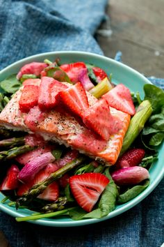 Roasted Salmon Salad with Strawberry Vinaigrette | PDXfoodlove
