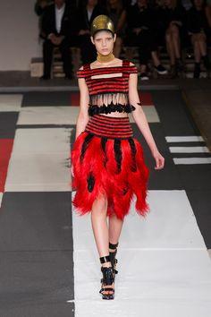 Défile Alexander McQueen Prêt-à-porter Printemps-été 2014 - Look 24