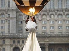 Romanian bride breaks a Guinness World Record with her wedding dress train (15 photos)