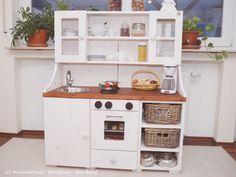 Wunschkind - Herzkind - Nervkind: Die selbstgebaute Spielküche