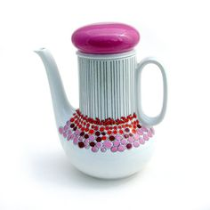 I love this Vintage Thomas coffee pot, such an unusual design.