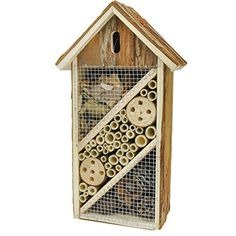 Place this handmade #insect hotel in your garden to attract a variety of insects, such as ladybugs, lacewings, bees, butterflies and other beneficial insects. Th...