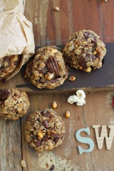 Carnival Cookies - Healthy, sugar-less cookies baked with banana, chocolate, peanuts, oats & popcorn