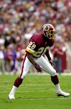 Darrell Green DB The Only non-contemporary player other than Deion that COULD SHUT DOWN ANY WR's of TODAY including MEGATRON Redskins Baby, Redskins Football, Nfl Football Players, Football Is Life, Redskins Pictures, Nfl Hall Of Fame, Nfl Championships, Defensive Back, Football Conference