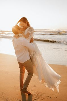 Wedding Fotos, Wedding Ideias, Romantic Couples, Wedding Couples, Marry Me, Wedding Pictures, Marie, Evening Dresses, Stylists