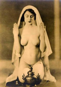 nisakuv: Vikova by the Stark Brothers, 1921 - Mystical Sex Nude Photography, Vintage Photography, Magick, Witchcraft, Wiccan, Stark Brothers, Old Photos, Vintage Photos, Art Magique
