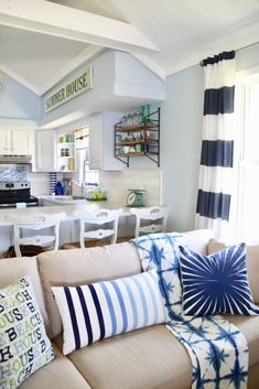 Lake Life : Nothing says Summer like spending time at the Lake! Head to HomeGoods for all things beachy and coastal inspired. Add touches of navy and white for that perfect Summer nautical look. Sponsored HomeGoods post.