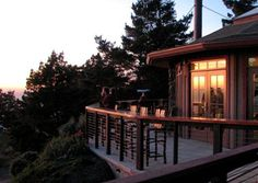 Treebones offers a unique lodging and dining experience on California's breathtaking Big Sur coast. Overlooking the Pacific Ocean with spectacular panoramic views in all directions. One can be part of the coastal yurt community, for a night or two and touch the earth! With a main lodging venue, you have all the accessibility to nature of a tent with all the comforts of a cabin! I'd love to experience resting under the stars – which can be seen through the sky dome from the comfort of a bed…