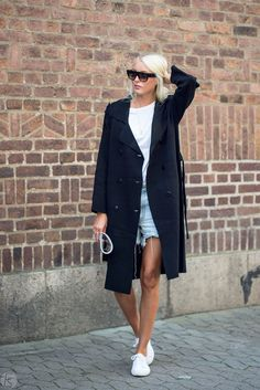 Ellen Claesson - Gina Tricot knitted coat, Filippa K tee, Levis shorts and Céline sunglasses. 7 August 2017