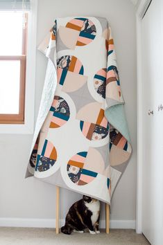 Modern Fans quilt pattern by Suzy Quilts- quilt made by KH Quilts Circle Quilts, Strip Quilts, Quilt Blocks, Quilting Projects, Quilting Designs, Sewing Projects, Drunkards Path Quilt, Amy Butler Fabric, Modern Fan