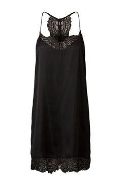 Das Silvester-Outfit ist DIE Gelegenheit in Sachen Styling mal ordentlich Gas zu geben. Glitzer, Cocktailkleider, High Heels: Bei den Silvester-Outfits 2015/2016 ist einfach alles erlaubt...