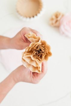 Everyday Summer Tablescapes + How to Make Easy DIY Paper Flowers featured by popular Florida lifestyle blogger Fresh Mommy Blog
