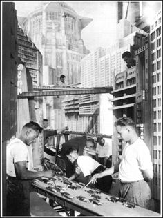 Behind the scene Metropolis by Fritz Lang