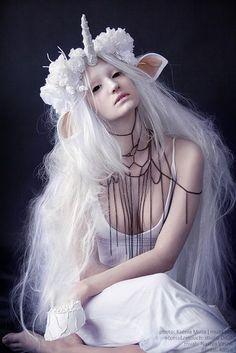 Best 39 Unicorn Makeup Ideas to Try unicorn cosplay - something like that but black, scary and pastel gothy ♥unicorn cosplay - something like that but black, scary and pastel gothy ♥ Unicorn Diy, Diy Unicorn Costume, Unicorn Makeup, White Unicorn, Unicorn Halloween, Pusheen Unicorn, Unicorn Snot, Unicorn Logo, Unicorn Quotes