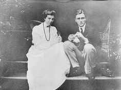Sitting together on a few steps in Hyde Park (1906) ❤❤❤ ❤❤❤❤❤❤❤   http://www.fdrlibrary.marist.edu/aboutfdr/biographiesandmore.html    http://www.historichydepark.org/    http://en.wikipedia.org/wiki/Home_of_Franklin_D._Roosevelt_National_Historic_Site