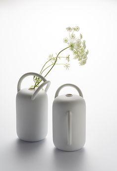 Coup de coeur pour les vases JEAUX D'ANSES – signés par la designer Jeanne Bonnefoy-Mercuriali pour la maison d'éditions TH Manufacture