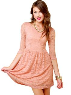This dress would be so pretty for Homecoming!