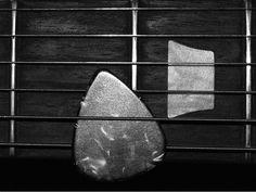 Publicação on-line traz vídeos, áudio e diversas matérias voltadas para guitarristas.