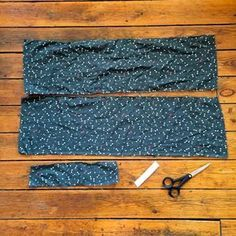 DIY (couture) : un joli bandeau pour les cheveux – Hair Crunchies Models Diy Couture, Couture Sewing, Patchwork Patterns, Patchwork Designs, Sewing Online, Sewing Headbands, Creation Couture, Diy Headband, Sewing For Beginners