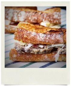 オパンのきのこのマリネとチーズのバゲットサンドイッチ(2017.05.25)