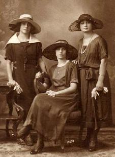 Edwardian Era photo (1901-1919)