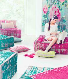gan rugs_canevas Cross Stitching, Cross Stitch Embroidery, Embroidery Art, Ikea Stool, Design Bleu, Washi Tape Crafts, Cross Stitch Pillow, Stitch Book, Rose Wall