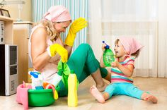 Happy mum and daughter are cleaning together! #love Kliknij www.kochamdom.pl