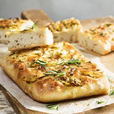 """Tidningen Buffé on Instagram: """"Ingen vanlig focaccia! Prova vårt recept där det ljuvliga brödet får smak av kronärtskocka, citron och rosmarin. Följ länken i vår profil…"""""""